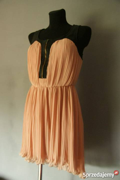 83177cf113f Urocza sukienka Bershka TANIO!