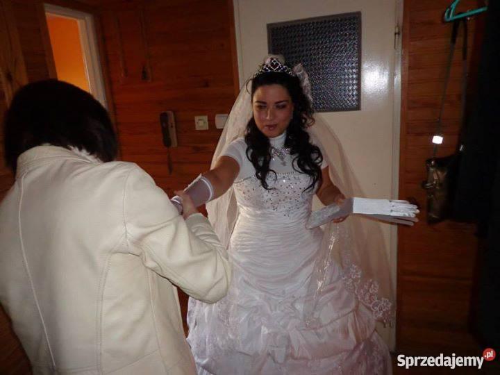 5d73f1350c Suknia ślubną włoska + dodatki Krosno - Sprzedajemy.pl