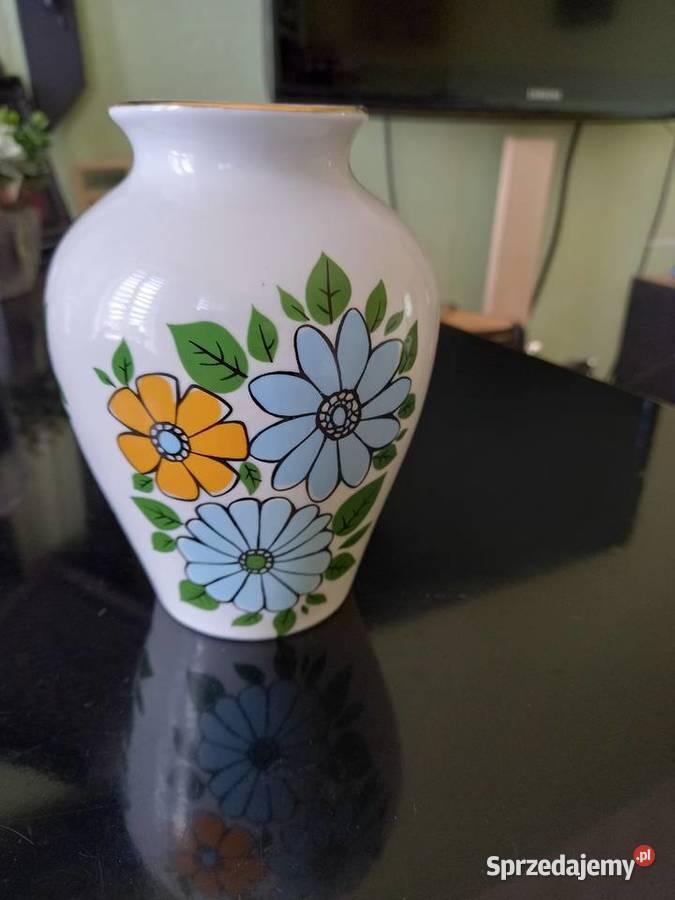 Porcelanowy wazonik z Chodzieży