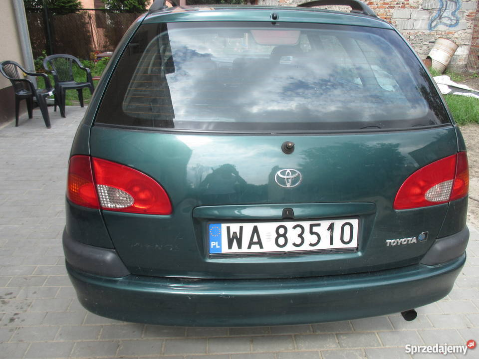 Tosia 2000r plus części z 2002r kupiony w polskim salonie Avensis Warszawa
