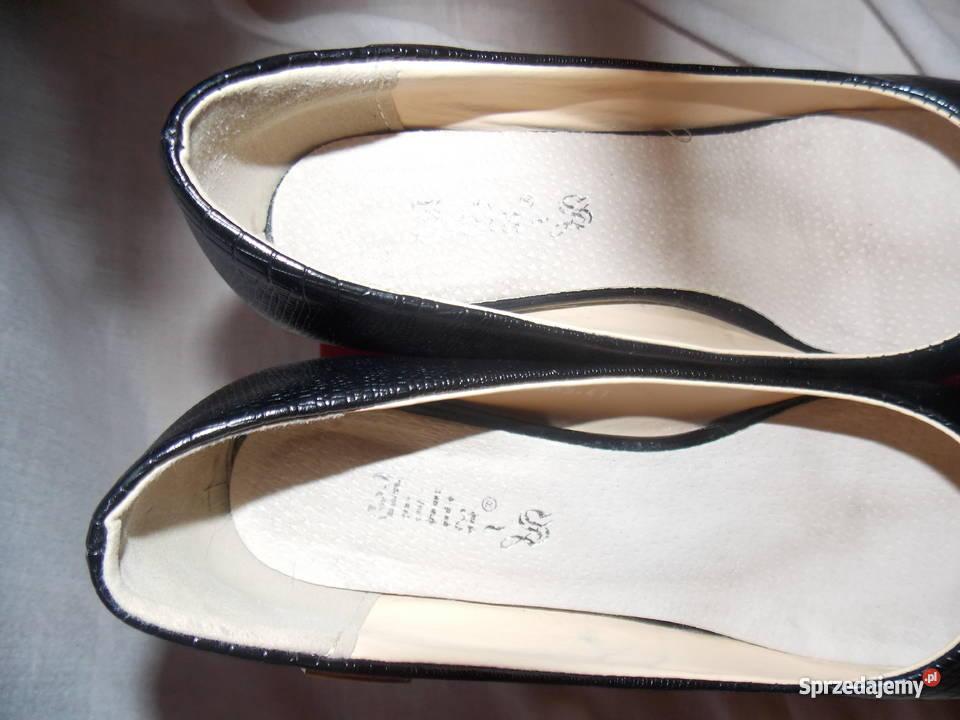 63a111ee2 Pantofle damskie - Julia-S Golub-Dobrzyń - Sprzedajemy.pl