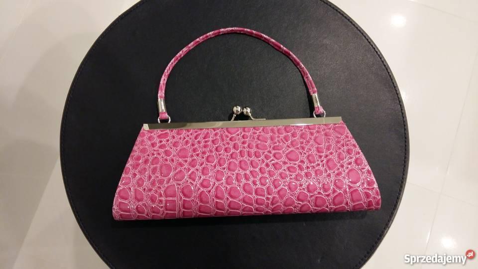 6a0c317e0522f Nowa wizytowa różowa kopertówka imitująca skórę mazowieckie Szeligi