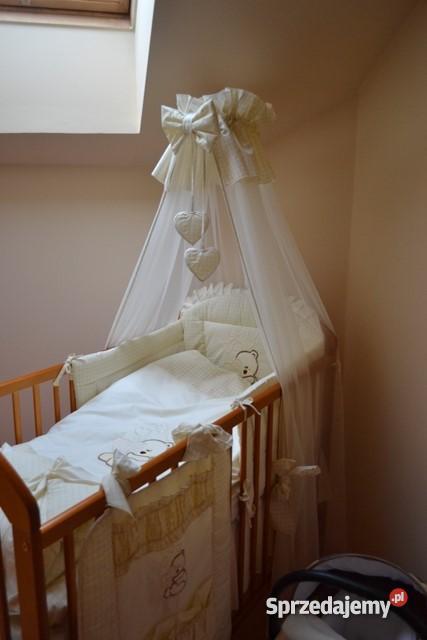 Cudowne łóżeczko dziecięce z całym wyposażeniem sprzedam