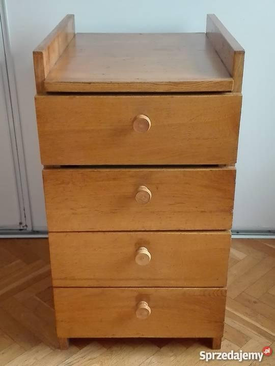 Sosnowa szafka z szufladami