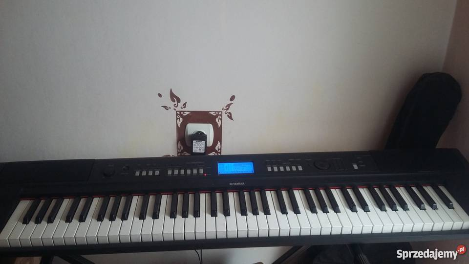 sprzedam pianino elektryczne yamaha np v80 brzeziny. Black Bedroom Furniture Sets. Home Design Ideas