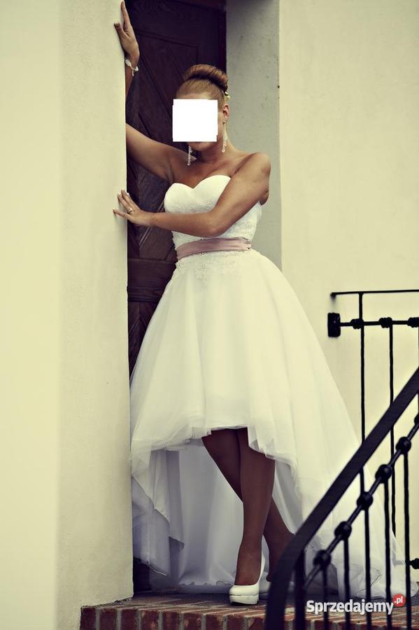 Piękna krótko długa suknia ślubna