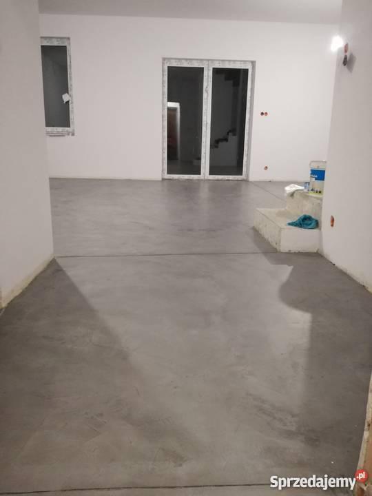 Modernistyczne posadzka z mikrocementu, mikrocement, beton architektoniczny KS92