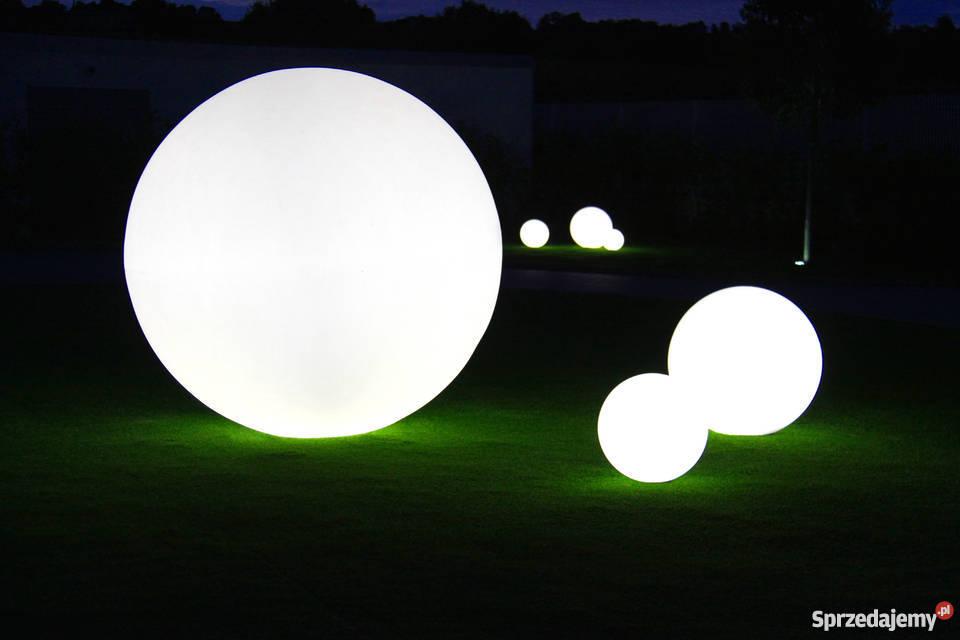 Duży zestaw kul ogrodowych świecących na biało śląskie