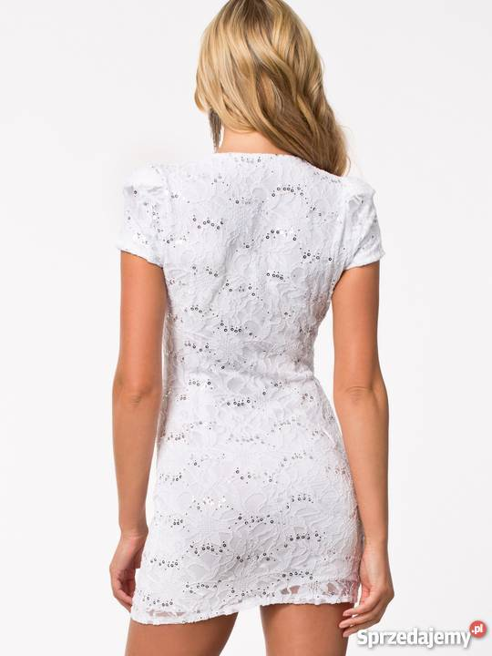 f9167d1d6a Elegancka sukienka z koronki XSS