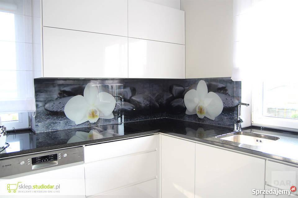 Znalezione obrazy dla zapytania biała kuchnia połysk szklany panel drukowany