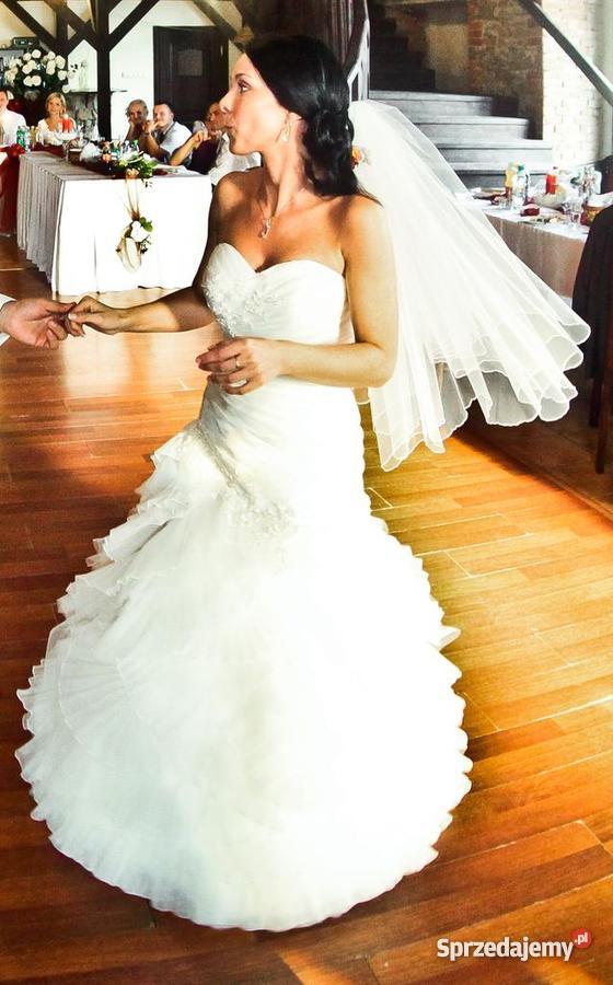 19fb2ad2fe Suknia ślubna w stylu hiszpańskim - Sprzedajemy.pl