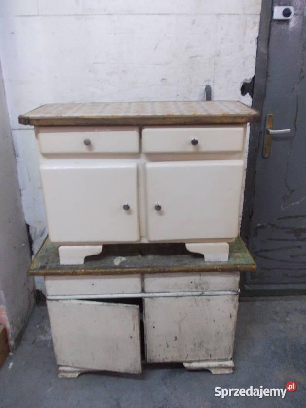 Małe , stare szafki kuchenne- drewniane