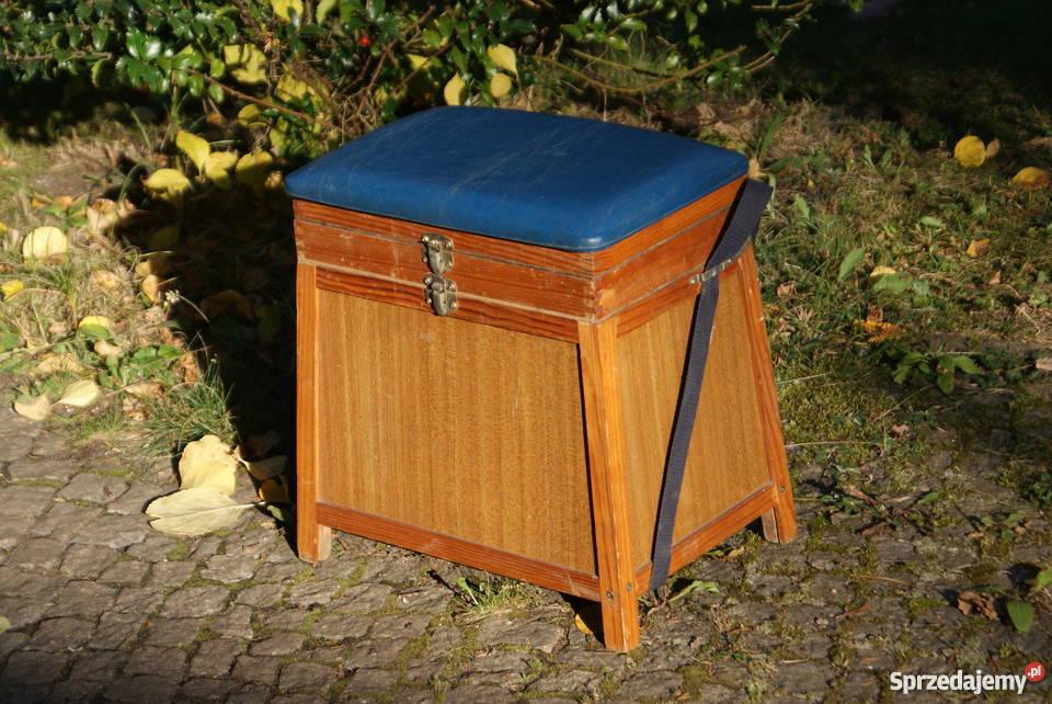 Drewniana szafka szafeczka stołek lata 6070te