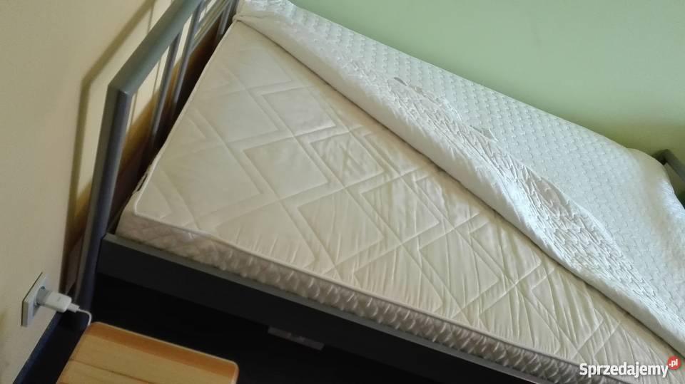 Sprzedam łóżko Z Materacem 140x200 Jysk