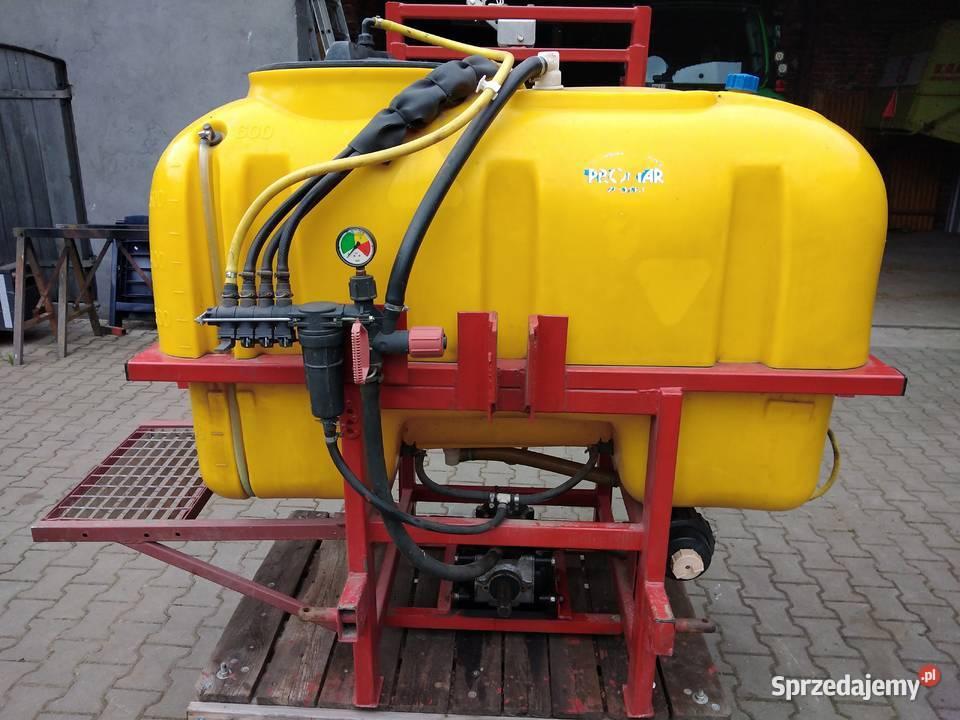 opryskiwacz polowy  zawieszany  600 litrów  belka 10 m  dysz