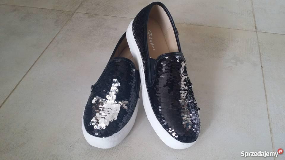 buty cekiny zmieniające kolor białe i czarne
