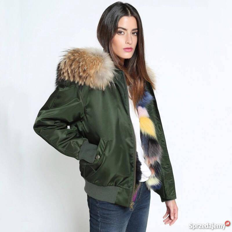 Kurtki zimowe damskie Katalog modeli dostępnych w dziale kurtki zimowe damskie, opiera się na szerokiej i zróżnicowanej kolekcji najlepszych wzorów, dedykowanych miłośniczkom zimowych aktywności outdoorowych.