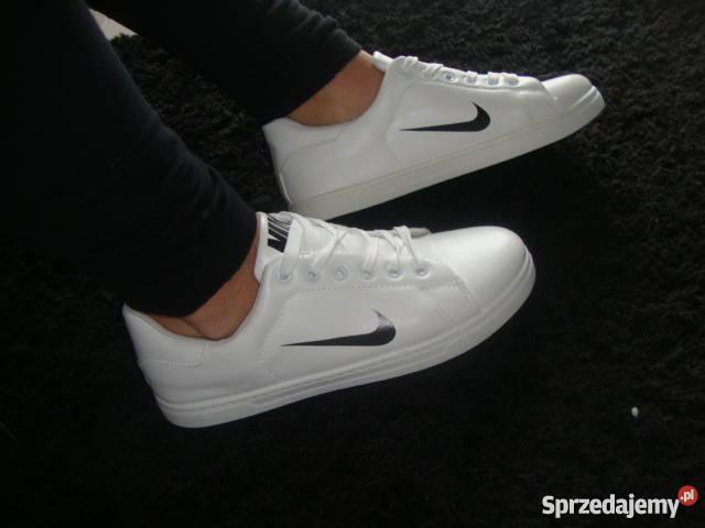 Inteligentny Białe tenisówki z logo Nike. replika 36-41 Nowy Tomyśl ZJ29