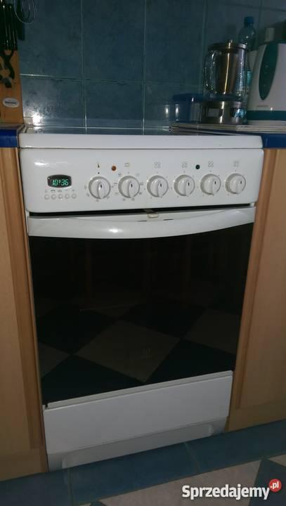 Kuchnia Elektryczna Z Płytą Ceramiczna I Piekarnikiem Indese
