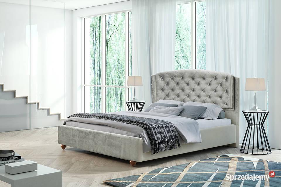 Na topie, łóżko Laura 140x200 z materacem.