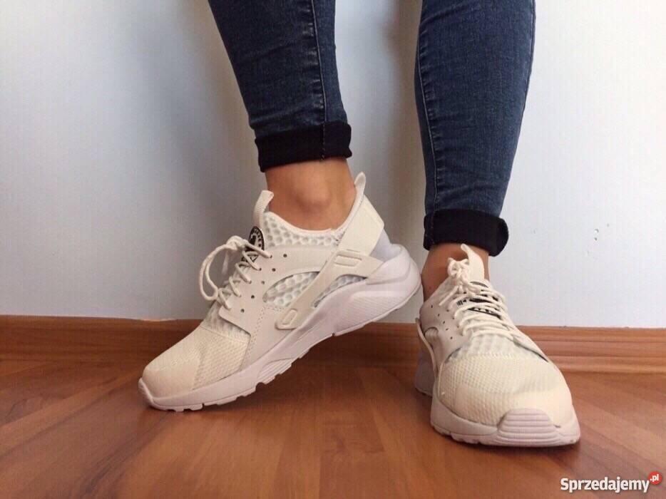 całkiem tania najlepsze trampki świetna jakość Białe Nike Huarache rozmiar 41 (26,5 cm) Wyprzedaż. Tanio
