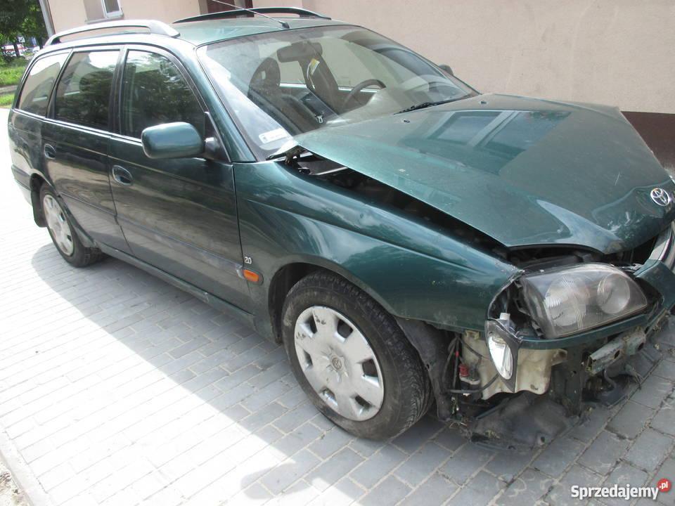 Tosia 2000r plus części z 2002r Avensis Warszawa