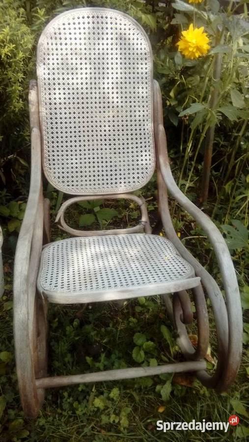 Drewniany fotel bujany do renowacji