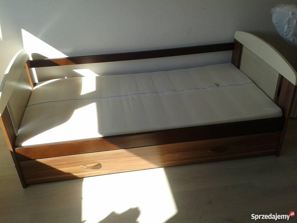 Sprzedam łóżko Dziecięce Pojedyncze Z Szufladą Tanio