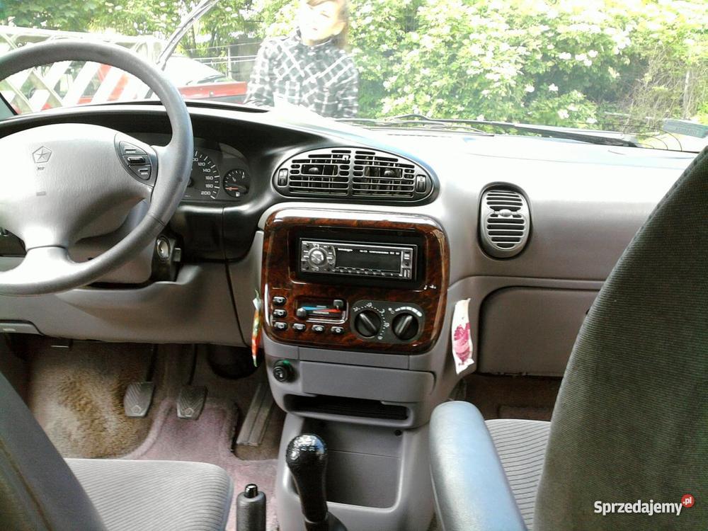 Chrysler Grand Voyager Van / Minibus Brzeg