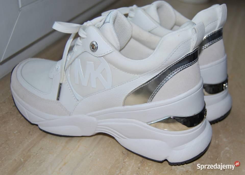 sneakersy kors