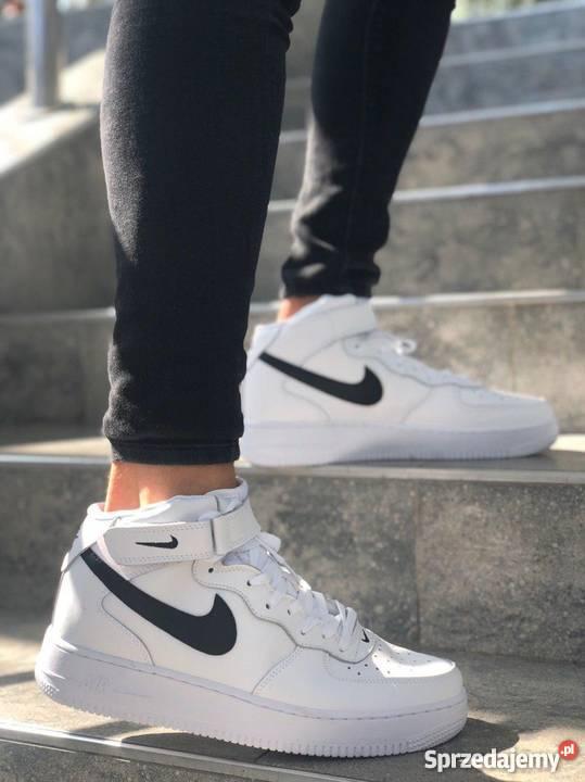 Nike Air Force 1 Mid Black White