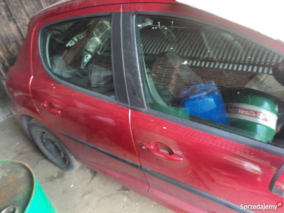 Sprzedam Peugeot 207  1.4 benzyna - cały na czesci