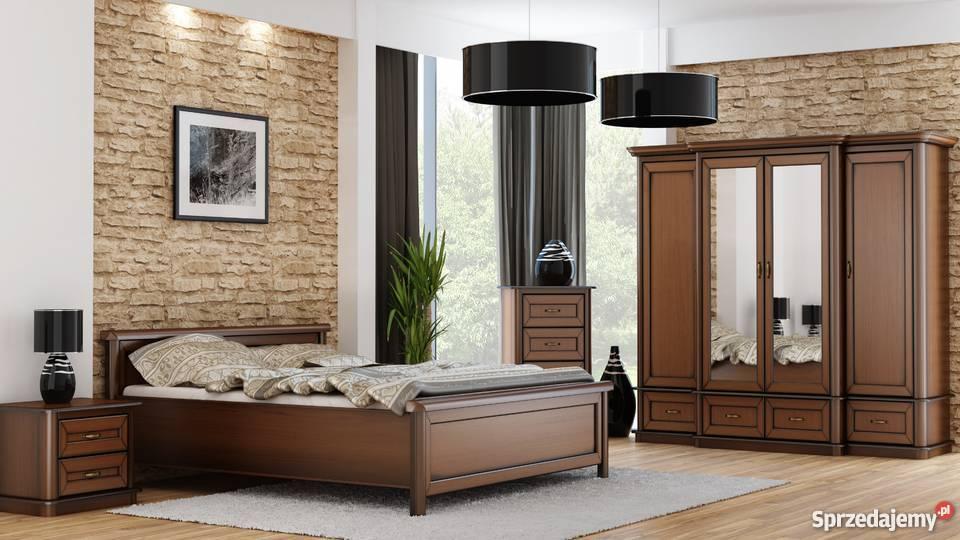 Klasyczna Sypialnia Z Dużą Pojemną Szafą Elementy Drewna