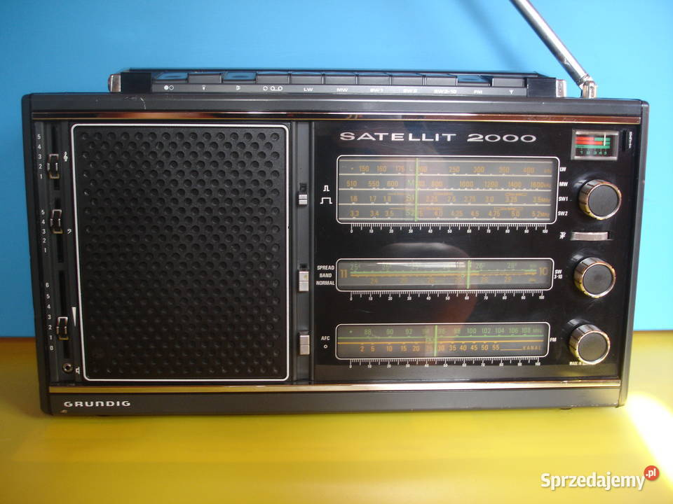 Radio GRUNDIG SATELLIT 2000