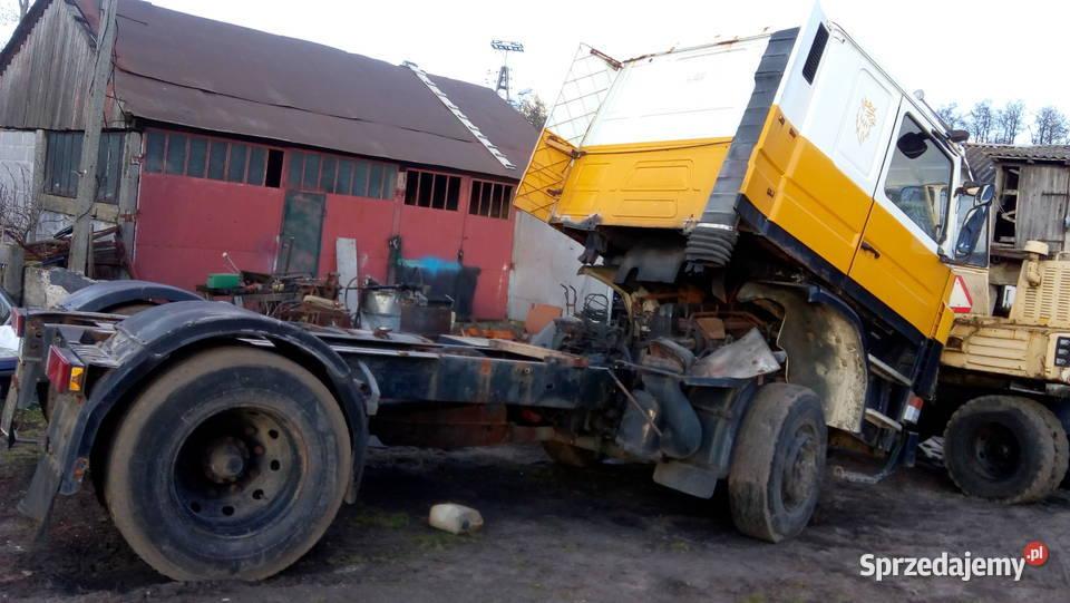 Scania R93.