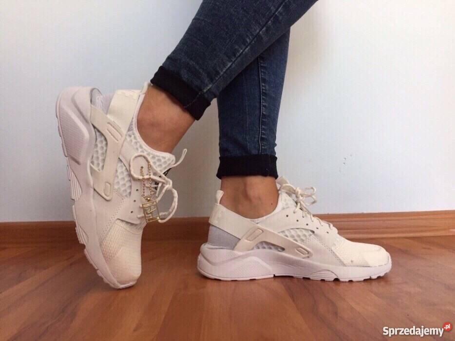 style mody oficjalna strona 50% ceny Białe Nike Huarache rozmiar 41 (26,5 cm) Wyprzedaż. Tanio