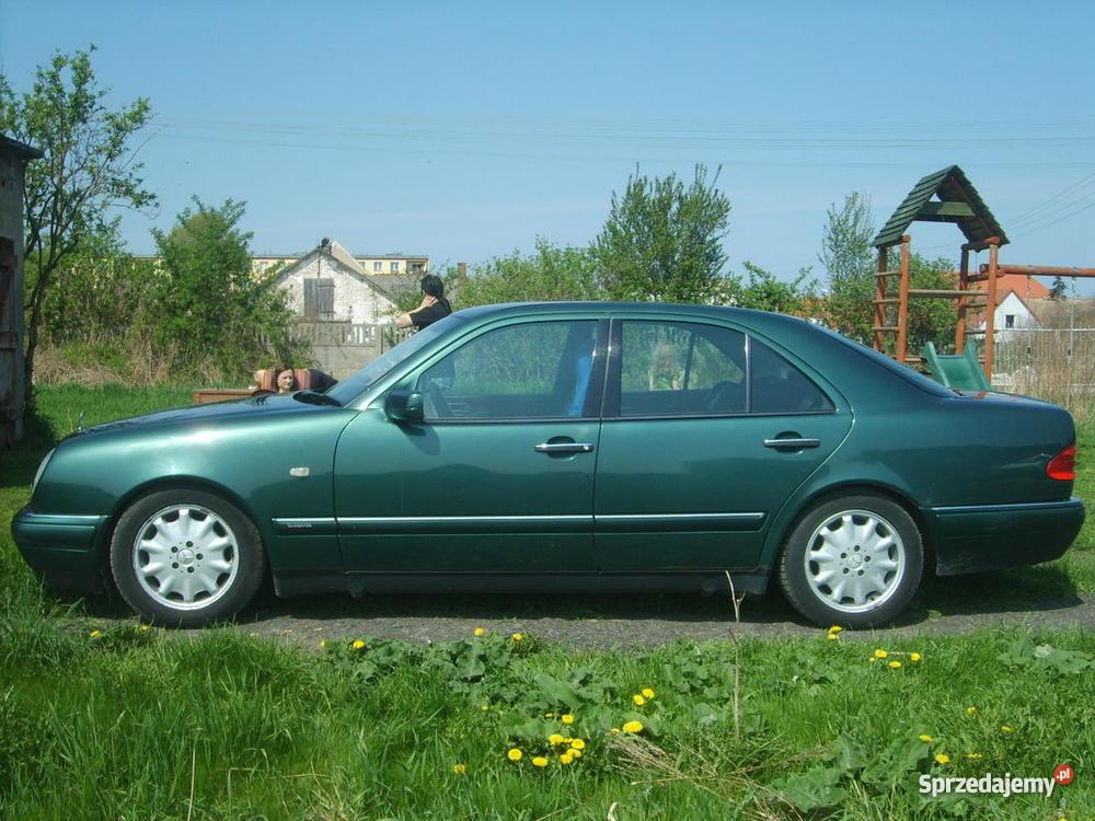 Mercedes benz e300 diesel w dobrym stanie zadbany for Mercedes benz e300 diesel