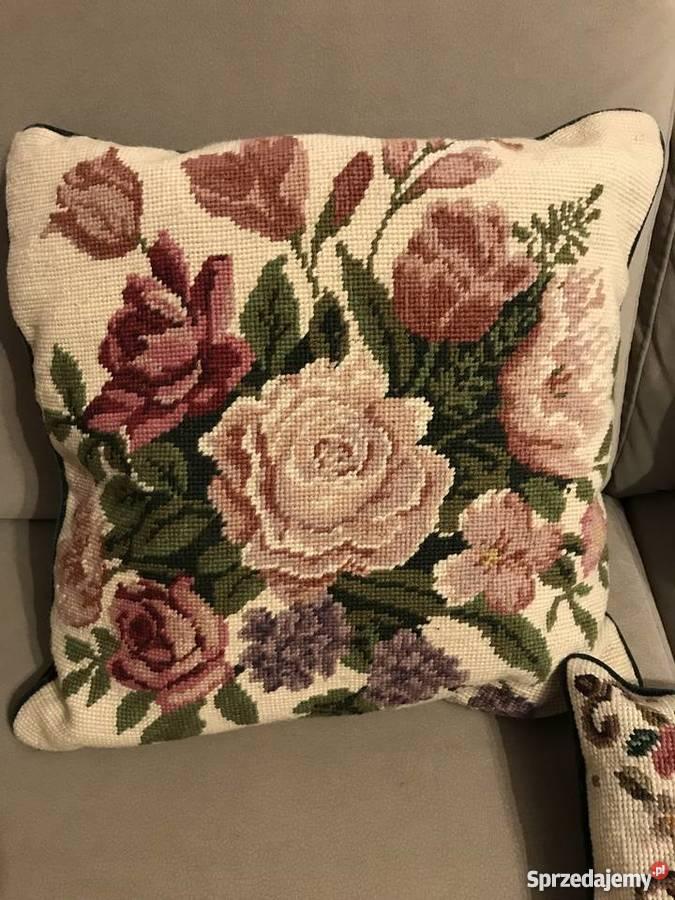 4 Poduszki Dekoracyjne Haftowane Motyw Kwiatowy