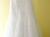 Piękna suknia ślubna Famosa z hiszpańskiej koronki (Madonna)