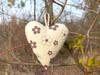 Zawieszka dekoracyjna - serduszko w kwiatki