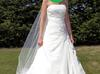 Piękna i wyjątkowa suknia ślubna - miniaturka