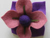 Broszka z filcu (kwiat-4), rękodzieło artystyczne - miniaturka