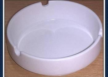 JB Okrągła Popielniczka Porcelany w Białym Kolorym