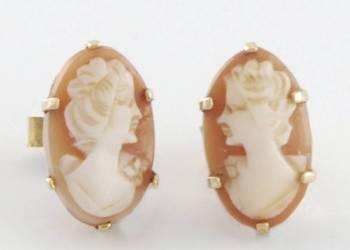 Kolczyki z kameą  o formie owalnej, dwie kamee ręcznie rzeźb