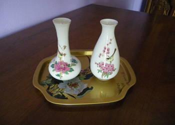 porcelanowe wazoniki na podstawce styl japoński