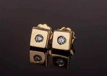 Złote kolczyki kwadraty z cyrkonią 333