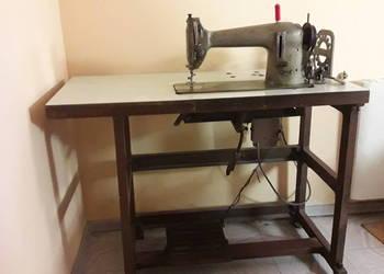 Sprawna maszyna do szycia LZ3 ze stołem