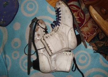 Hokejówki rozmiar 24