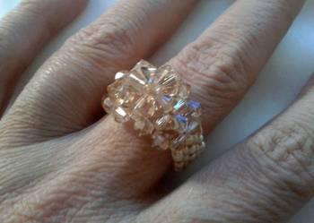 pierścionek z kryształkami Swarovski