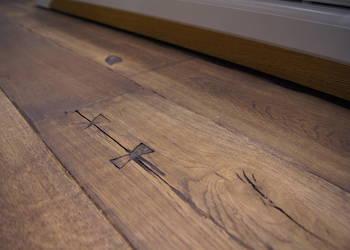 Deska podłogowa ręcznie postarzana